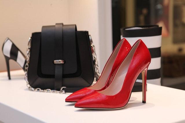 限定品、靴とバック
